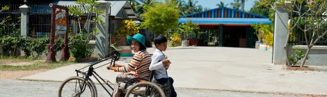 Experiences from Peer Group Training of Wheelchair Users
